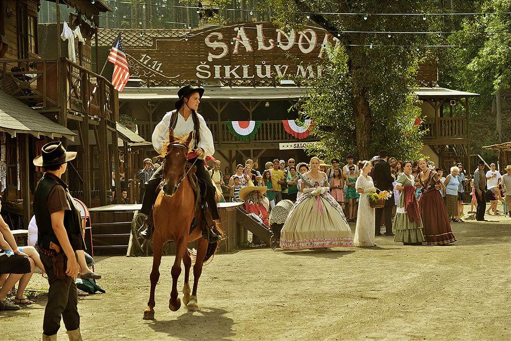 westernova-a-zvireci-show