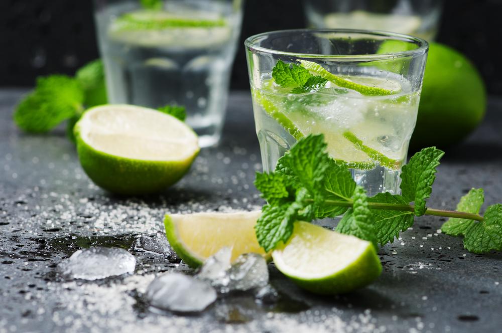 Osvěžení v parných letních dnech: Míchané drinky podle barmanů z Aqualandu Moravia!