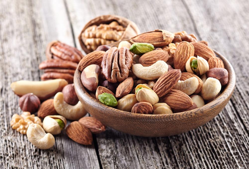 Podzim přináší delší a bolestivější menstruaci, pomoci může červený jetel nebo ořechy