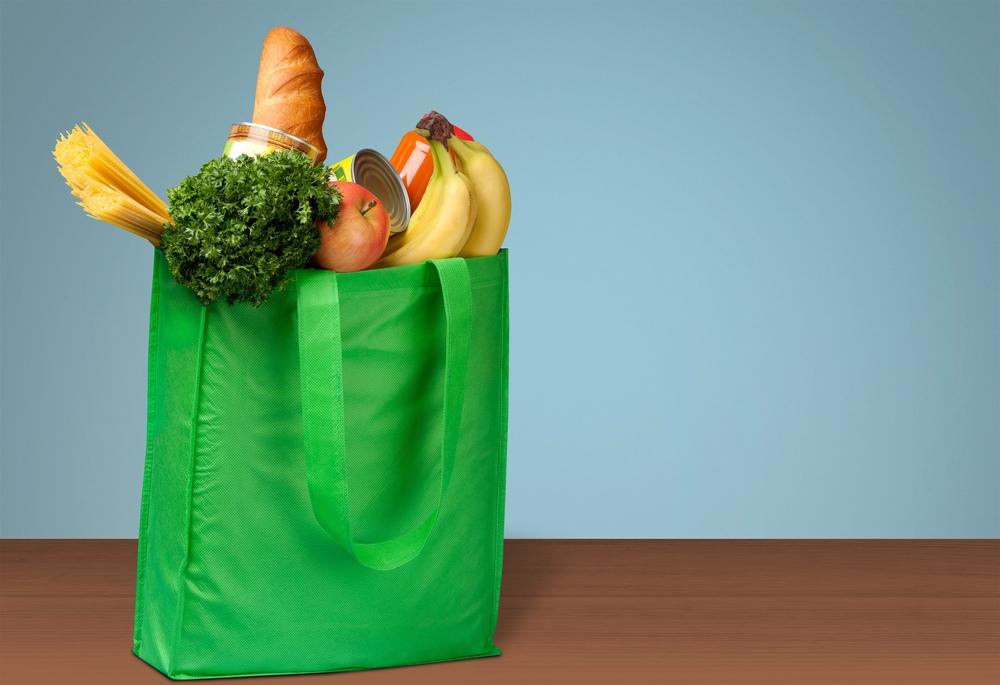 Od rodinných obchodů po nadvládu velkých řetězců – Jak se změnil český maloobchod s potravinami od 90. let?