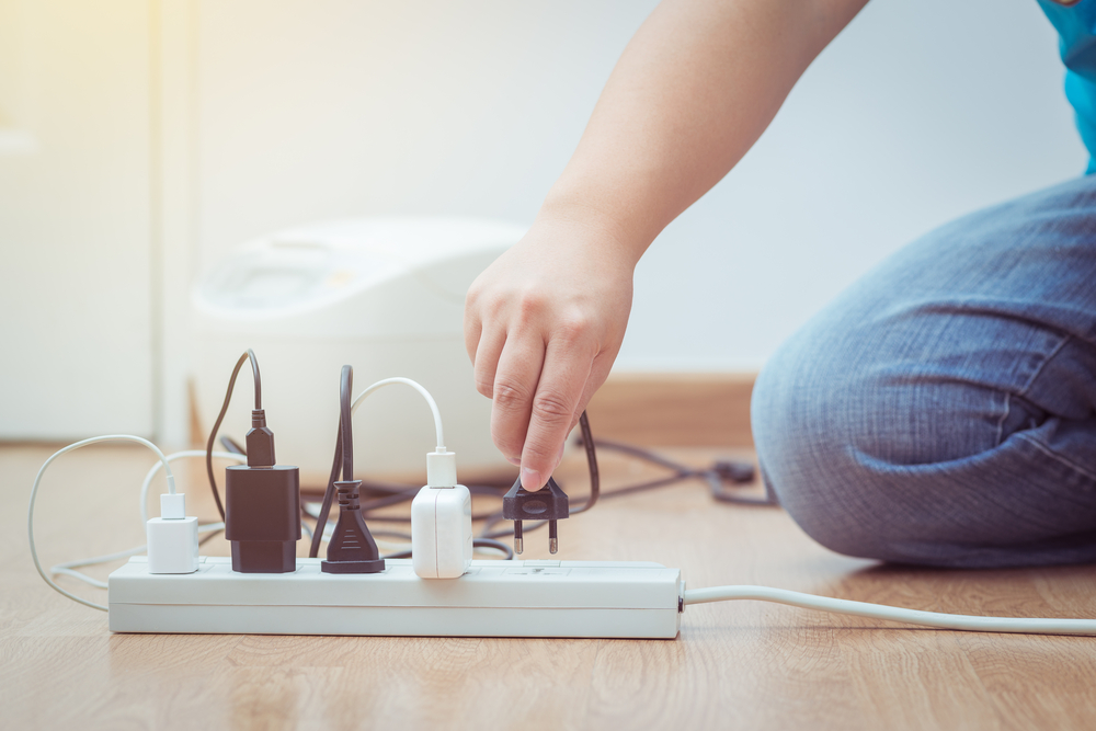 K elektřině můžete mít v ceně dodávky také služby elektrikáře v hodnotě 1 500 korun