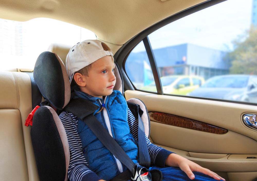 Dítě v autě: 5 tříd autosedaček - jak a kterou použít na bezpečný převoz dítěte v autě