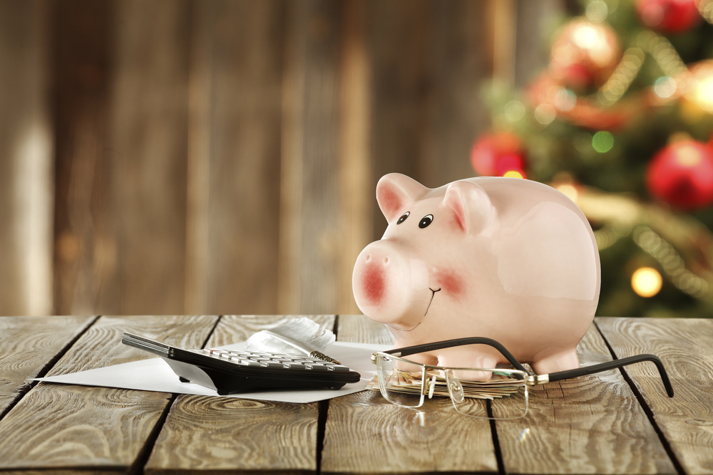 Češi si před Vánoci půjčují mnohem častěji než v jiných obdobích. Na co si dát pozor u vánočních půjček?
