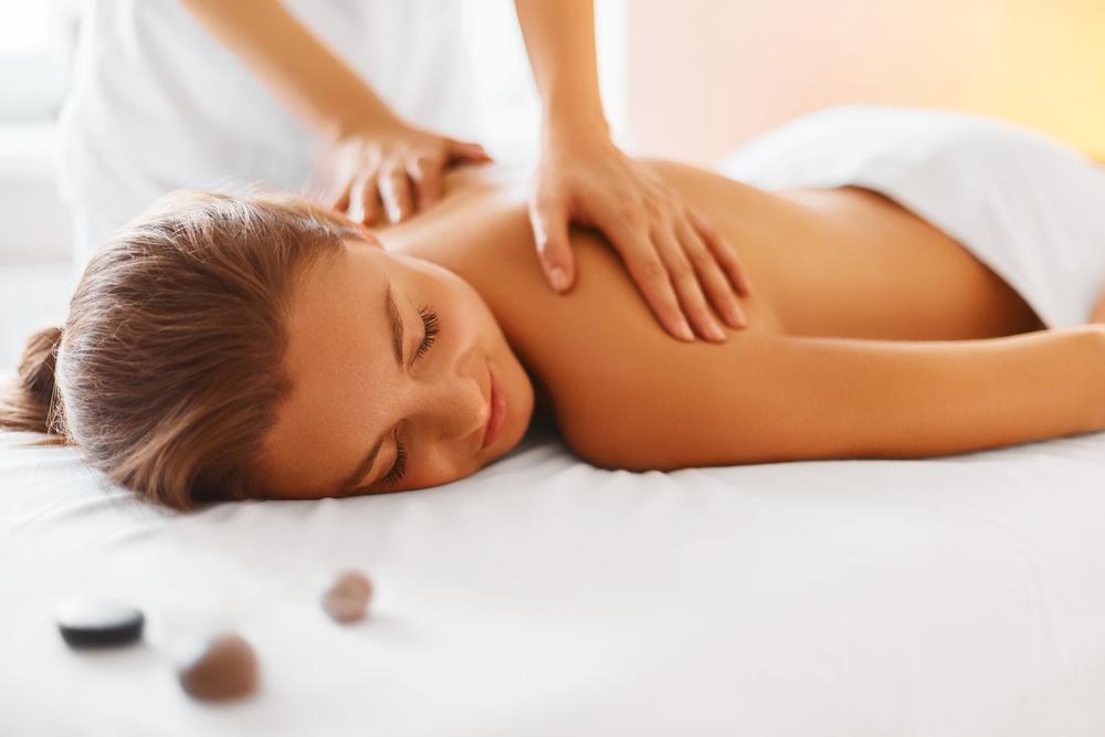 Novoroční detox organismu: V boji proti toxinům pomůže sauna, masáž i pobyt v mrazu