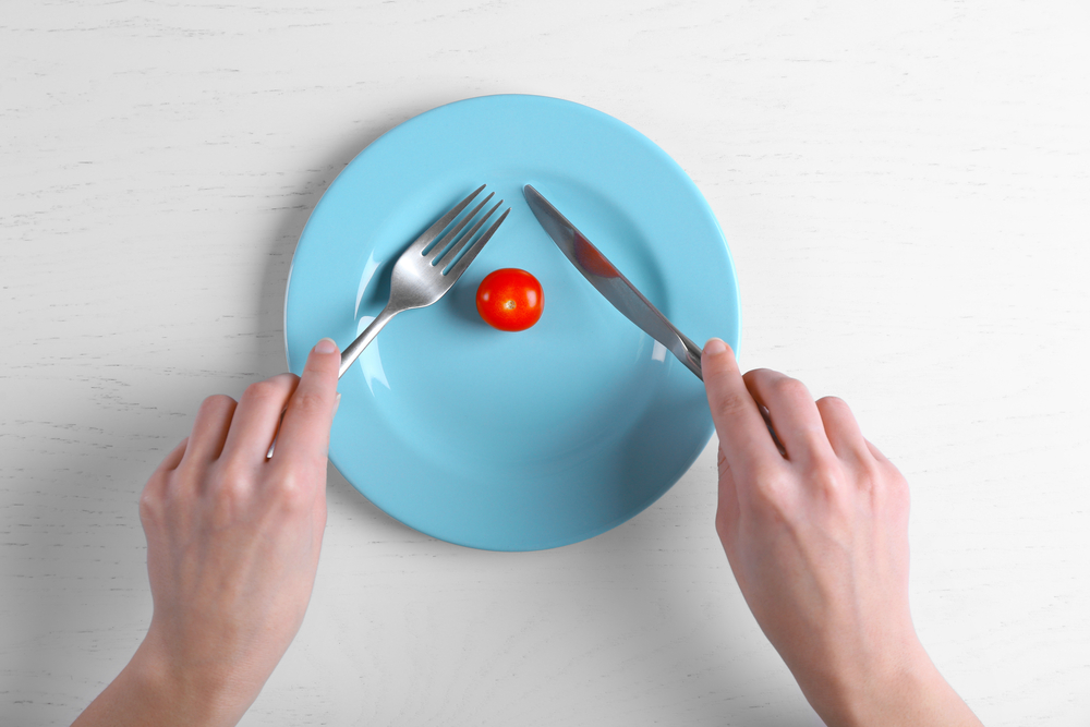 Přísné diety ohrožují ženské zdraví. Mohou vést k rakovině děložní sliznice či neplodnosti