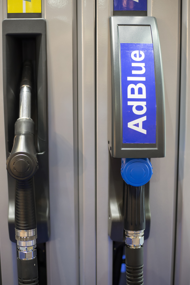 Syntetická močovina AdBlue: jako řešení snižování emisí podle odborníků udrží dieselové motory na scéně