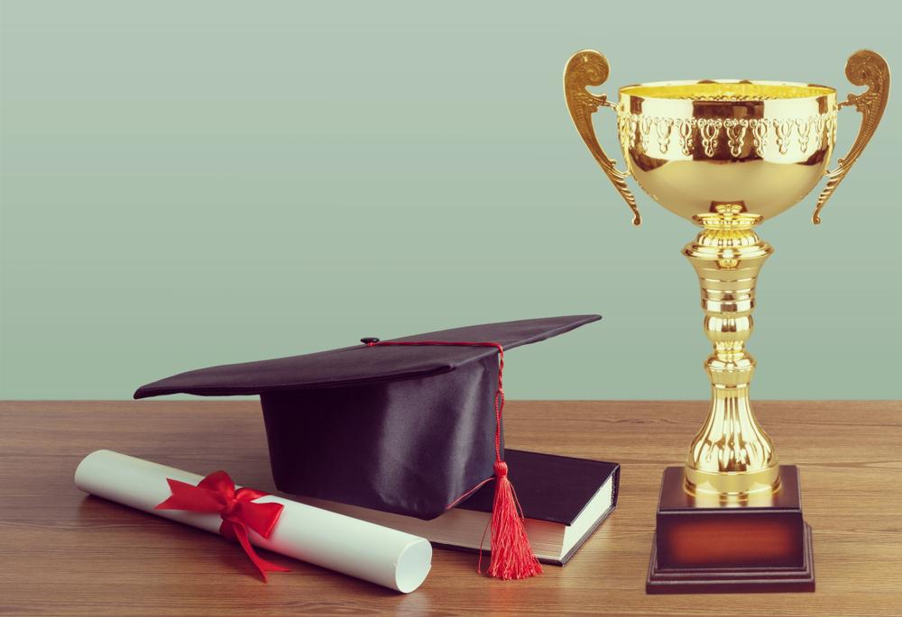 Spojením Vysoké školy regionálního rozvoje a Bankovního institutu vznikla nová soukromá Vysoká škola Ambis