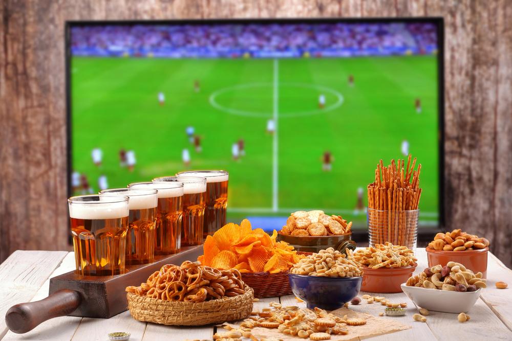 Řada lidí využívá v létě zpětné sledování sportovních přenosů