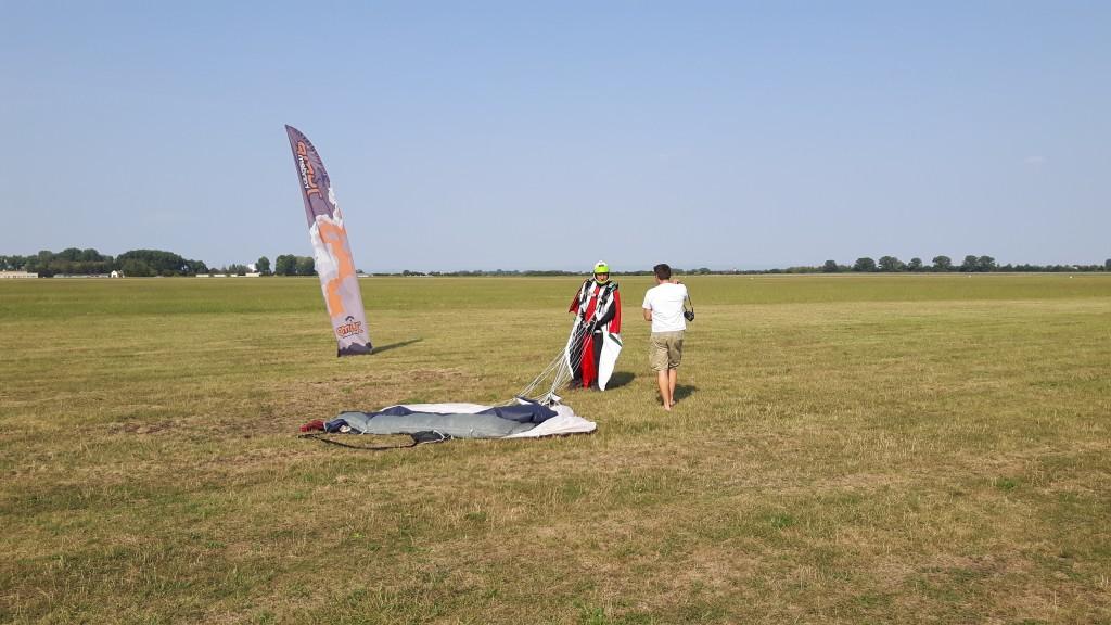 Mistrovství světa ve wingsuit-flyingu bude na konci srpna hostit letiště v Prostějově