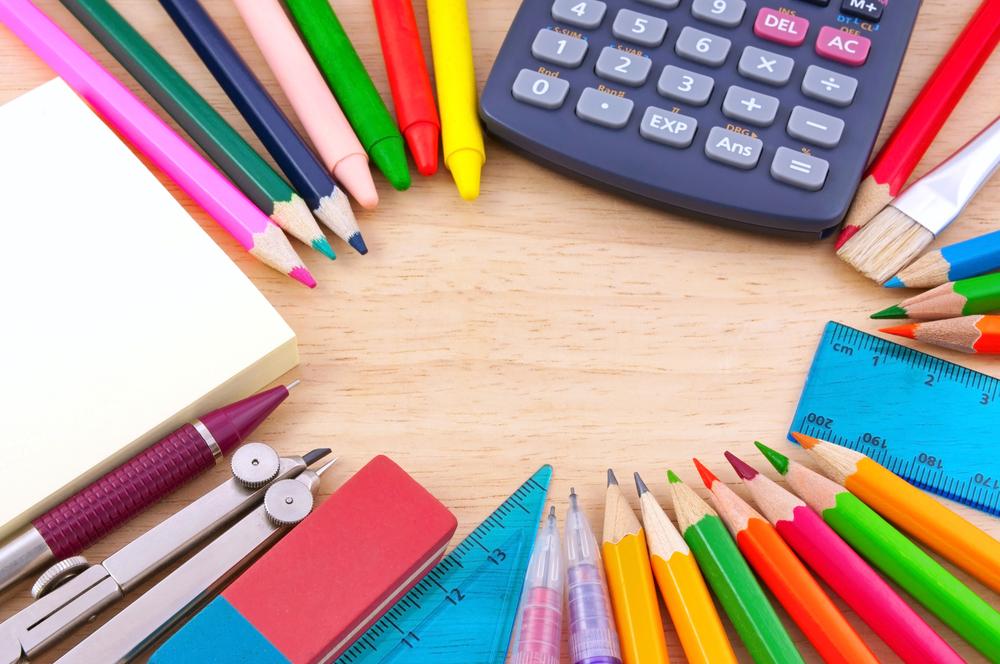 Začátek školního roku je kritický pro polovinu českých rodin. Tisíce na výbavu školáků nejhůře shánějí neúplné rodiny s více dětmi