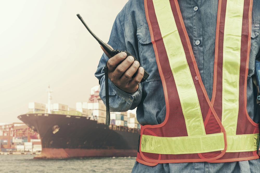 Transport českého zboží: celní kontroly, devadesátidenní plavba po moři