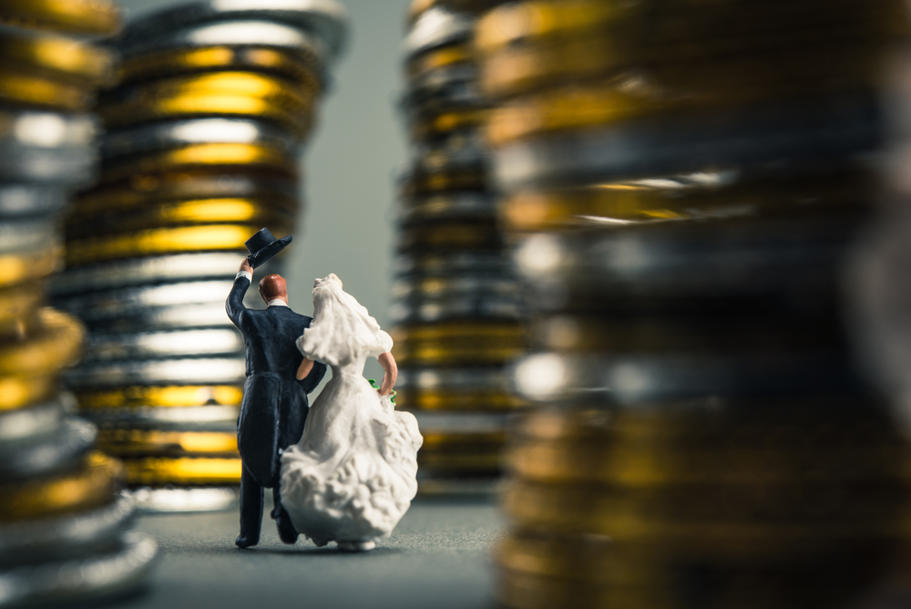 Úrokové prázdniny končí: Lidé si půjčují na dovolenou, školní pomůcky svatbu i pohřeb