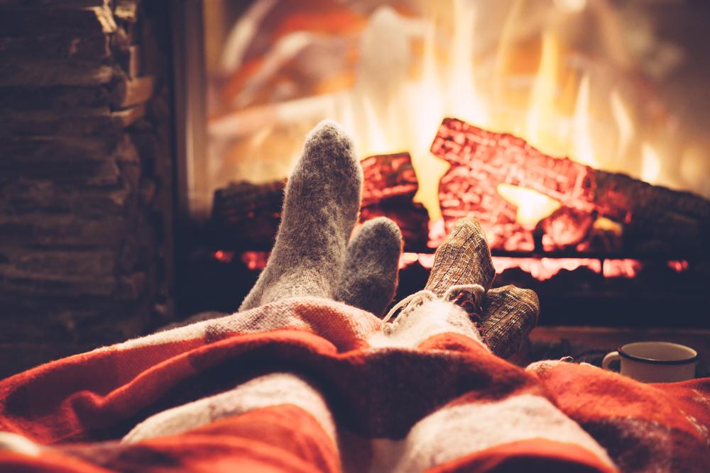 Zamezení úniku tepla z interiéru v zimě: zateplení fasády, izolace garáže, letmá kontrola střechy, venkovní rolety