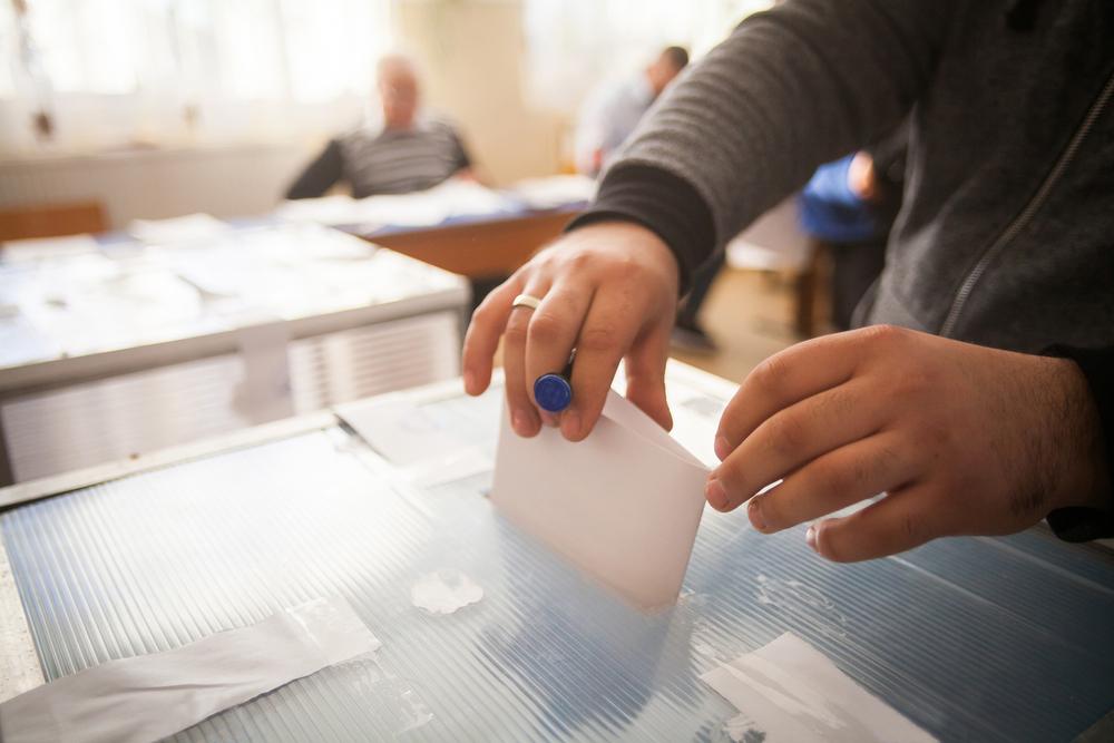 Prezidentští kandidáti parlamentní volby nevynechají. Uvítali by ale možnost hlasovat online