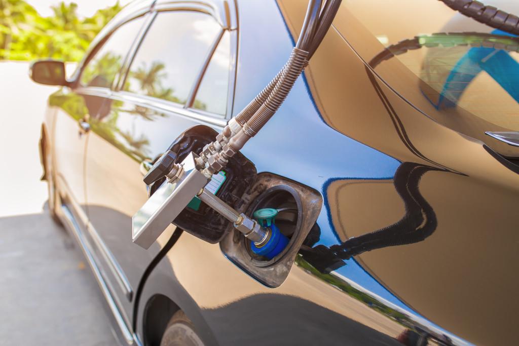 České firmy využívají CNG stále více. Náklady na pohonné hmoty mohou být i poloviční