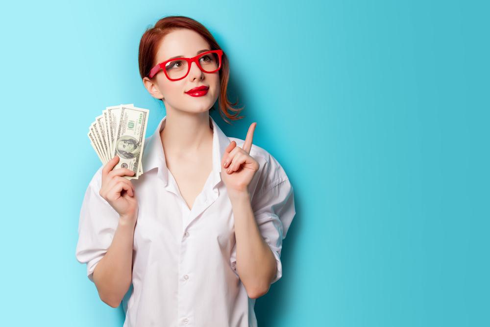 Jak se vyhnout dluhové pasti? Nepůjčujte si na zbytečnosti a naučte se správně šetřit, radí odborníci