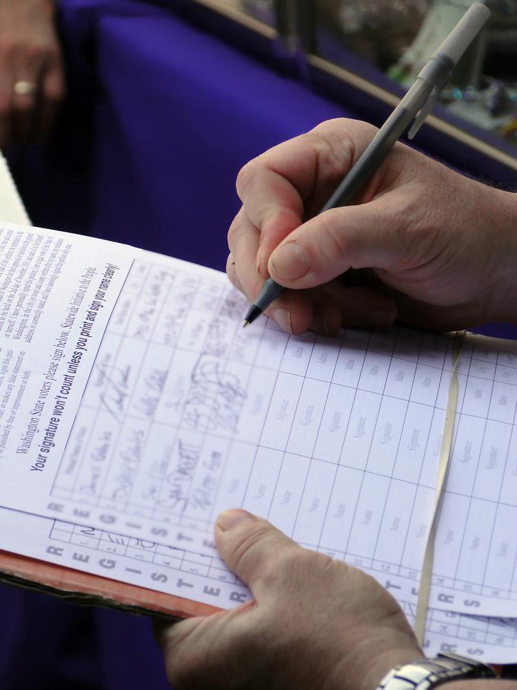 Češi podepisují petici za korespondenční volby. Přidali se i prezidentští kandidáti