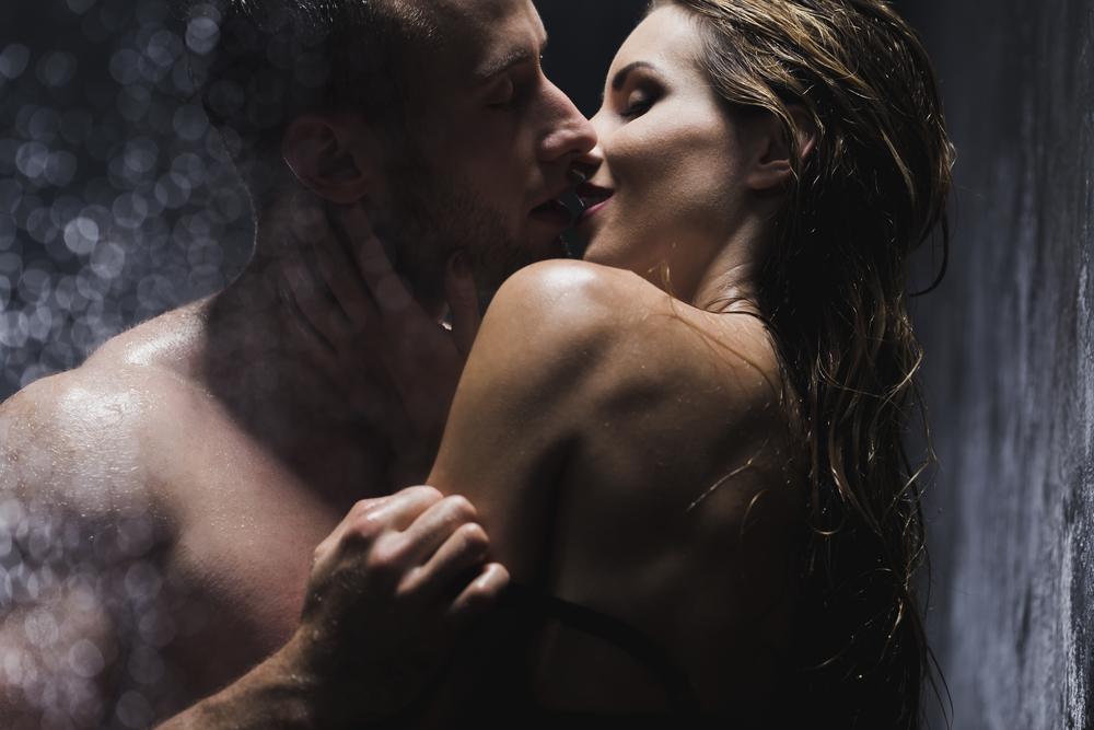 Lidé, kteří ponocují, mají uvolněnější sexuální život
