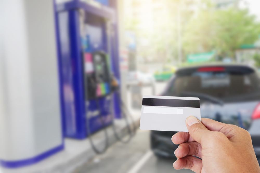 Motoristé již letos natankovali za plošnou cenu stejně paliva jako za celý loňský rok. Meziročně jde o 40% růst